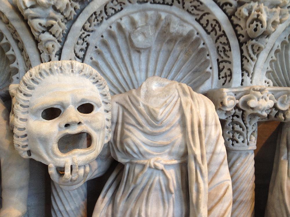 06.Broken statue in Rome